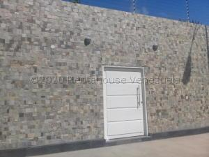 Casa En Ventaen Punto Fijo, Campo Maraven, Venezuela, VE RAH: 21-7958