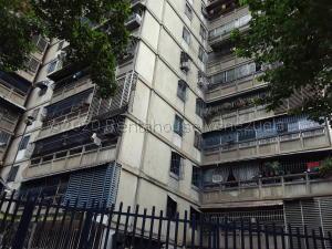 Apartamento En Ventaen Caracas, El Valle, Venezuela, VE RAH: 21-7986