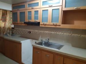 Apartamento En Ventaen Maracaibo, Avenida Goajira, Venezuela, VE RAH: 21-7978