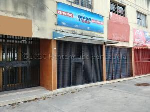 Local Comercial En Ventaen Barquisimeto, Centro, Venezuela, VE RAH: 21-8021