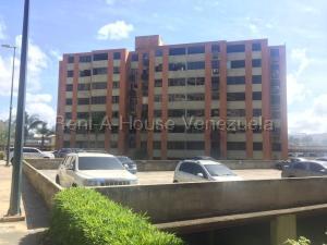 Apartamento En Ventaen Caracas, Los Naranjos Humboldt, Venezuela, VE RAH: 21-8085