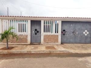 Casa En Ventaen Municipio San Francisco, El Soler, Venezuela, VE RAH: 21-8095