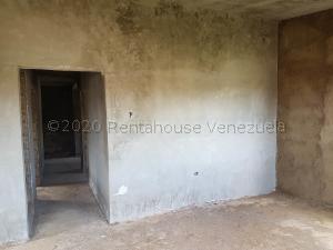 Casa En Ventaen Coro, Sector Los Perozos, Venezuela, VE RAH: 21-8100