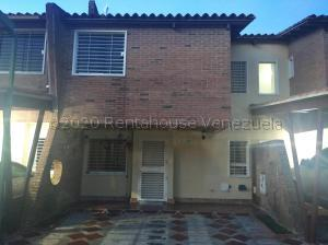 Townhouse En Ventaen Municipio San Diego, Villa Jardin, Venezuela, VE RAH: 21-8125