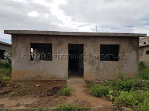 Casa En Ventaen Coro, Sector Los Perozos, Venezuela, VE RAH: 21-8111
