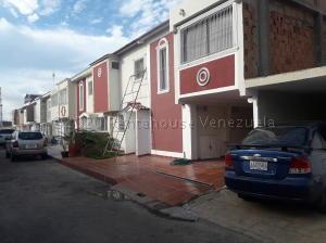 Townhouse En Ventaen Municipio San Francisco, La Coromoto, Venezuela, VE RAH: 21-8167