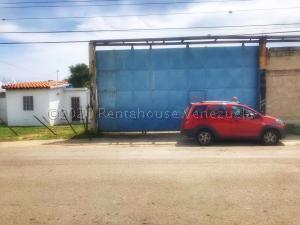 Galpon - Deposito En Ventaen Municipio Los Guayos, Los Guayos, Venezuela, VE RAH: 21-8177