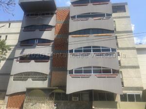 Apartamento En Ventaen Catia La Mar, Playa Grande, Venezuela, VE RAH: 21-8184