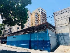 Galpon - Deposito En Ventaen Caracas, Los Dos Caminos, Venezuela, VE RAH: 21-8223