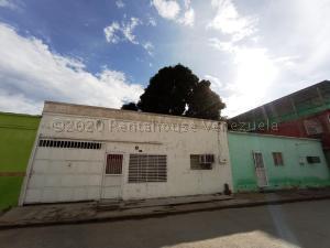 Casa En Ventaen Maracay, La Coromoto, Venezuela, VE RAH: 21-8256