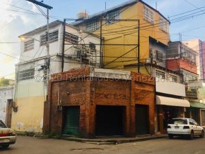 Local Comercial En Ventaen Maracay, El Centro, Venezuela, VE RAH: 21-8262