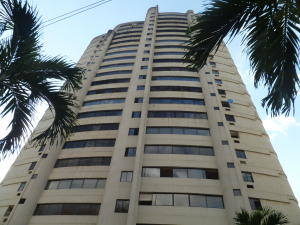 Apartamento En Ventaen Valencia, Las Chimeneas, Venezuela, VE RAH: 21-8278