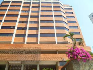 Apartamento En Ventaen Valencia, El Parral, Venezuela, VE RAH: 21-8285