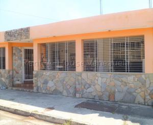 Casa En Ventaen Municipio San Diego, La Esmeralda, Venezuela, VE RAH: 21-8292