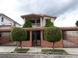 Casa En Ventaen Valencia, Trigal Norte, Venezuela, VE RAH: 21-8296