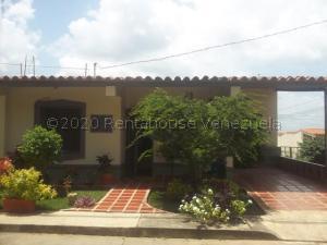 Casa En Ventaen Cabudare, Parroquia José Gregorio, Venezuela, VE RAH: 21-8300