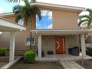 Casa En Ventaen Maracay, Andres Bello, Venezuela, VE RAH: 21-8378