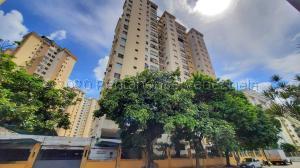 Apartamento En Ventaen Valencia, Prebo I, Venezuela, VE RAH: 21-8862