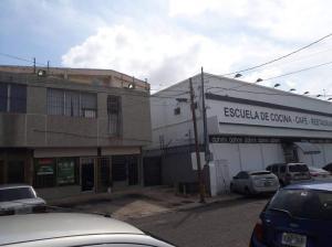 Local Comercial En Alquileren Maracaibo, Avenida Bella Vista, Venezuela, VE RAH: 21-8376