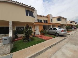 Casa En Ventaen Cabudare, Villa Paris, Venezuela, VE RAH: 21-8402