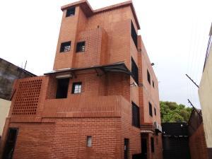 Edificio En Ventaen Valencia, La Candelaria, Venezuela, VE RAH: 21-8445