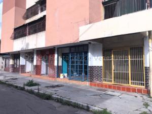 Local Comercial En Ventaen Guacara, Centro, Venezuela, VE RAH: 21-8473