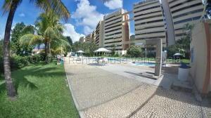 Apartamento En Ventaen Valencia, Trigal Norte, Venezuela, VE RAH: 21-8466