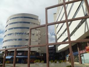 Local Comercial En Ventaen Valencia, Valles De Camoruco, Venezuela, VE RAH: 21-8456
