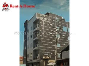 Edificio En Ventaen Punto Fijo, Centro, Venezuela, VE RAH: 21-1422