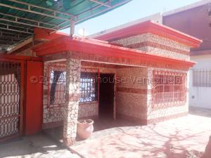 Casa En Ventaen Maracaibo, La Limpia, Venezuela, VE RAH: 21-8470