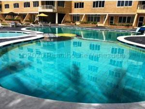 Apartamento En Ventaen Tucacas, Tucacas, Venezuela, VE RAH: 21-8467