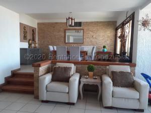 Apartamento En Ventaen Maracaibo, La Lago, Venezuela, VE RAH: 21-8498