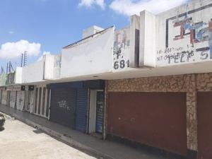 Local Comercial En Ventaen Maracaibo, Avenida Goajira, Venezuela, VE RAH: 21-8504