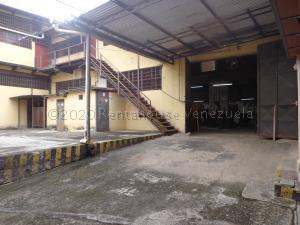 Galpon - Deposito En Ventaen El Consejo, La Zona Centro, Venezuela, VE RAH: 21-8575