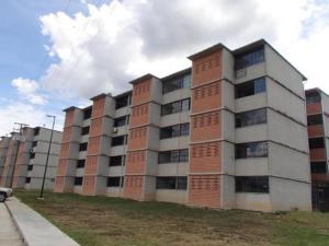 Apartamento En Ventaen Guarenas, Nueva Casarapa, Venezuela, VE RAH: 21-8612