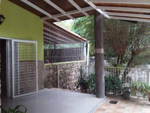 Casa En Ventaen Maracay, El Castaño (Zona Privada), Venezuela, VE RAH: 21-8647
