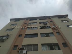 Apartamento En Ventaen Municipio Naguanagua, Casco Central, Venezuela, VE RAH: 21-8663