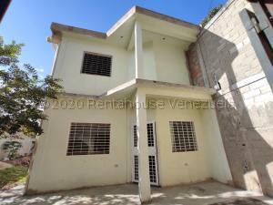 Townhouse En Ventaen Turmero, Los Caobos, Venezuela, VE RAH: 21-8684