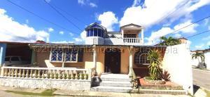 Casa En Ventaen Cabudare, Santa Cecilia, Venezuela, VE RAH: 21-8739