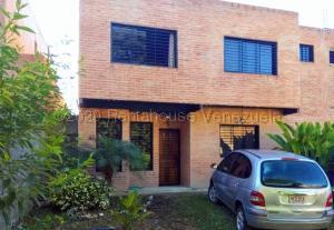 Townhouse En Ventaen Caracas, Bosques De La Lagunita, Venezuela, VE RAH: 21-8771
