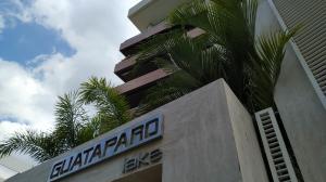 Apartamento En Alquileren Valencia, Terrazas Del Country, Venezuela, VE RAH: 21-8774