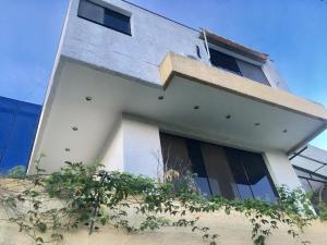Casa En Ventaen Caracas, La Lagunita Country Club, Venezuela, VE RAH: 21-8794
