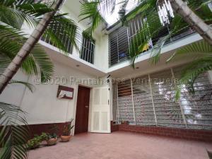 Casa En Alquileren Maracay, La Arboleda, Venezuela, VE RAH: 21-9015