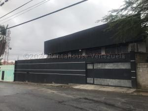 Galpon - Deposito En Ventaen Cabudare, La Mata, Venezuela, VE RAH: 21-8814