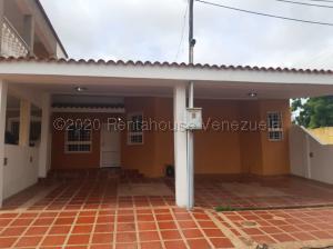 Townhouse En Alquileren Maracaibo, Santa Fe, Venezuela, VE RAH: 21-8836