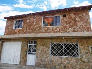 Casa En Ventaen Maracay, Santa Rita, Venezuela, VE RAH: 21-8893