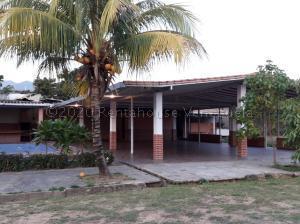 Terreno En Ventaen Municipio San Diego, La Cumaca, Venezuela, VE RAH: 21-10360