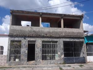 Casa En Ventaen Municipio Libertador, Los Cardones, Venezuela, VE RAH: 21-8953