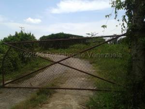 Terreno En Ventaen Caucagua, Merecure, Venezuela, VE RAH: 21-9384