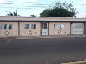 Casa En Alquileren Maracaibo, La Floresta, Venezuela, VE RAH: 21-8983